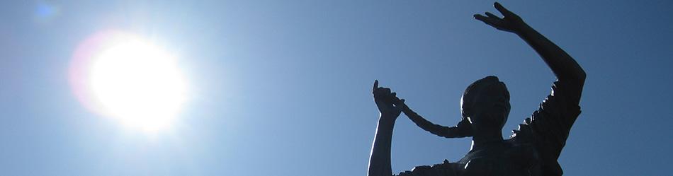 幣舞橋のブロンズ像